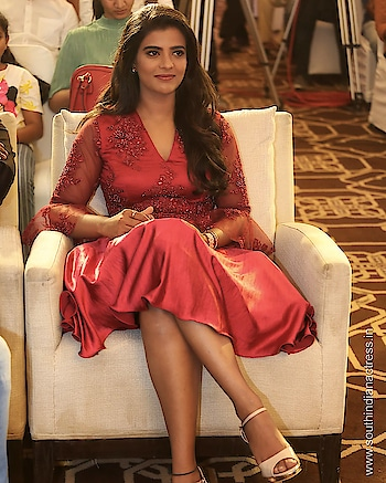 Aishwarya Rajesh stills at Kousalya Krishnamurthy Audio Launch https://southindianactress.in/tamil-actress/aishwarya-rajesh/aishwarya-rajesh-kousalya-krishnamurthy-audio-launch/  #aishwaryarajesh #southindianactress #tamilactress #kollywood #kollywoodactress #indianactress #indiangirl #indianmodel #actress #fashion #style #reddress #red