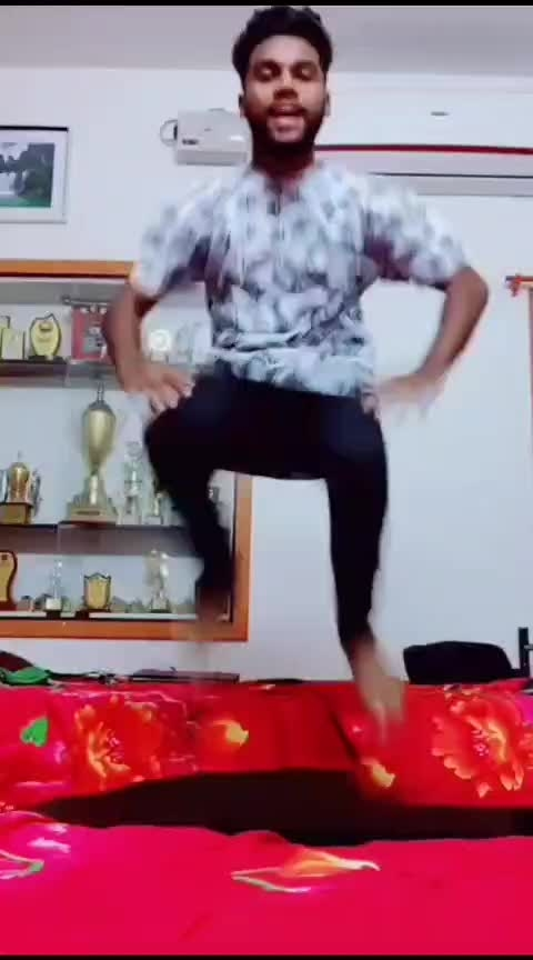Kuthu song 😂🔥🔥 #padikathavan #tamilactor #dhanush #roposo-tamil #roposo-dance #roposo-beats #roposostars #darwin #coimbatore