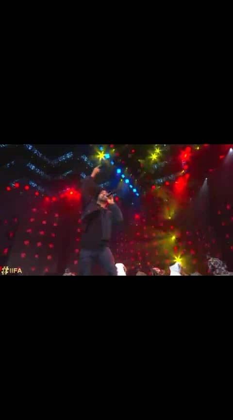 #daljitdosanjh #liveperformance #iifaawards 😍😍😍😍😍