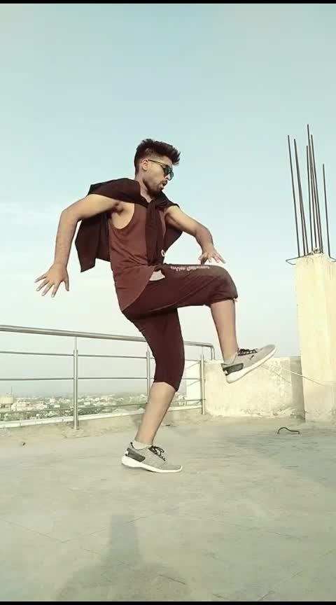 amazing dance style by this young guy