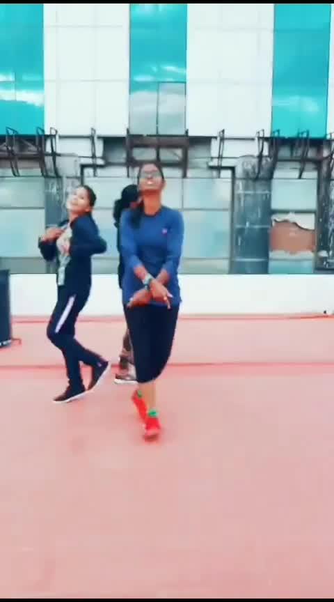 Undhan rasigayae nanum❣️ #manmadhan #roposo-dance #roposo-dancer #danceforlife #practice #roposotamil #coimbatore