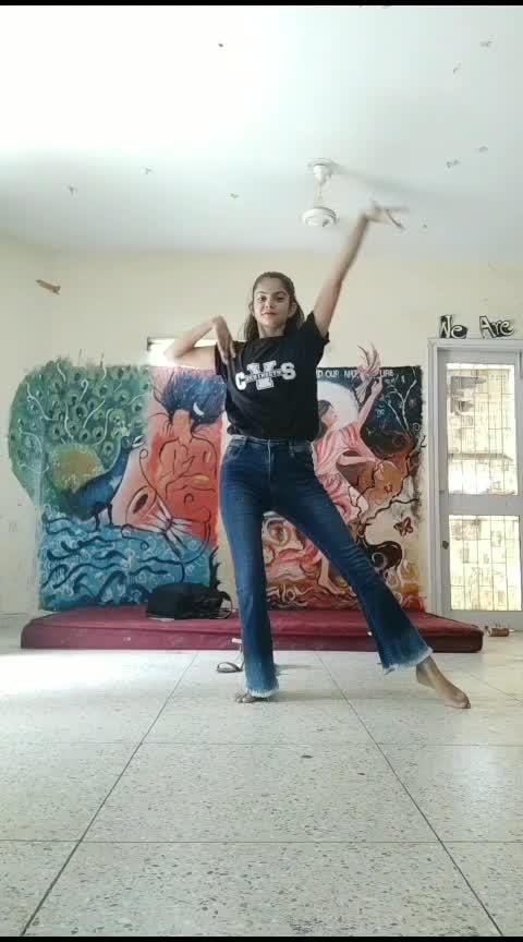 conga #waacking #roposo-rising-star-rapsong-roposo #roposodancer #dancerlife