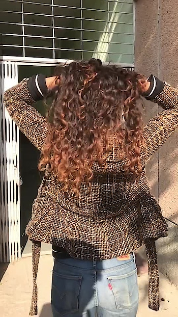 Just curly hair thing!!! 😘😉😉 #ropostyle #slowmotionchallenge #risingstar #roposo-risingstar #ropolove