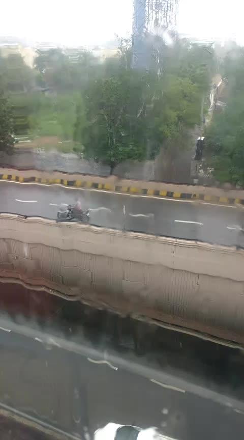 Full rain in hyderabad banjarahils road no 1#ropos #roposoness #roposofitness #roposoking #roposomodel #roposostar #risingstar
