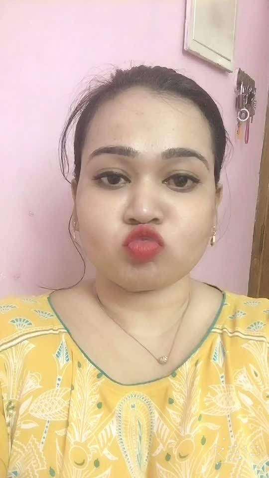 Bored at home 😁....  #kisses #bored #homie #love #fun-on #roposo-fun #red-rose #lipstickaddict #daisy_crazy #possesiveness #roposostar
