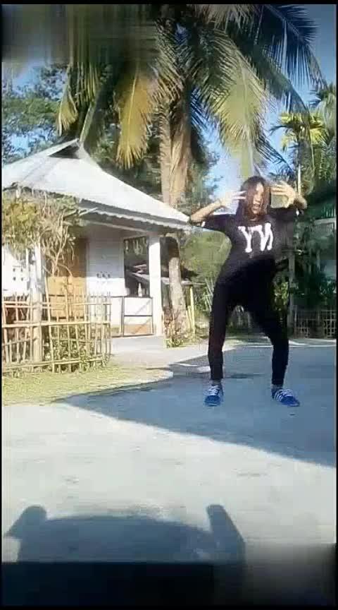 laila mein laila sunny Leone dance#lailamainlaila #hiphopdance #wackingdance #waackingdance #beats #wow #roposostar #roposorisingstar #staroftheweek #roposodancer #dance Tanisha Manisha Krishna Roposo Roposo Roposo