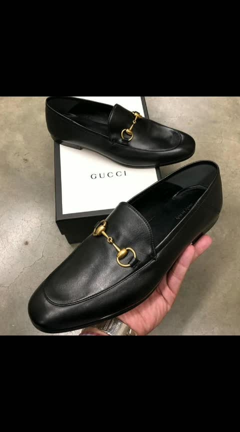 *GUCCI LOAFERS PREMIUM QUALITY 😍😍*  Sizes- 41-45.  *PRICE - ₹1499+$hip ONLY*  Hard sheet dole & pure leather   Lower one also available with 700+ship