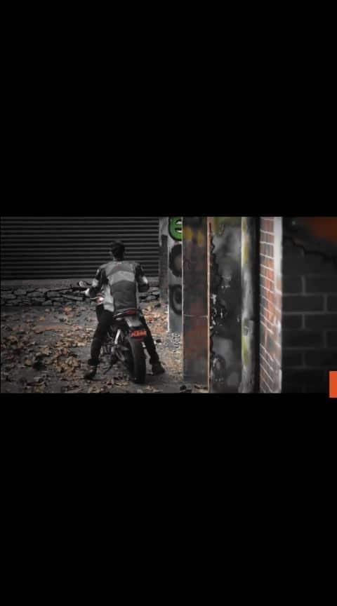 #biker #bike-stunt #bikes #ktm-stunt #ktmrc200 #ktmlover #ktm_oficial #love----love----lov