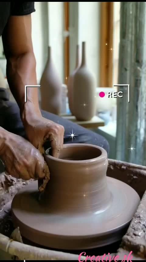 #vase 2.5 kg🔯#creative #crafting #craftsmanship #diy #handmade #ceramics #pots #pottery #sand #mud #claywork #mankind #roposoers #risingstars #creativethings #creativespace