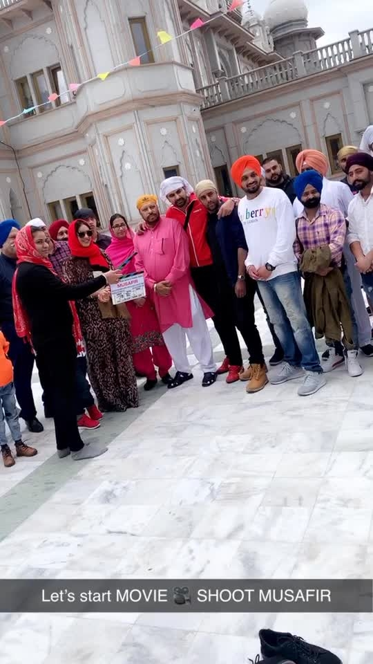 Monday .. New Day .. New Week and the New beginnings ♥️♥️♥️ : Movie's Muhurat With Babaji's blessings 😇😇 : First day of my first Pollywood movie MUSAFIR...need your Love , Support and blessings 🙏 : #movie #pollywood #pollywoodmovie #punjabi #punjabimovie #musafir #thankful #grateful #blessed #waheguruji #shooting #shootmode #london #bedford #londondiaries #nehamalik #model #actor #sakhiyaangirl #instantpollywood #instantbollywood #instagram #xoxo