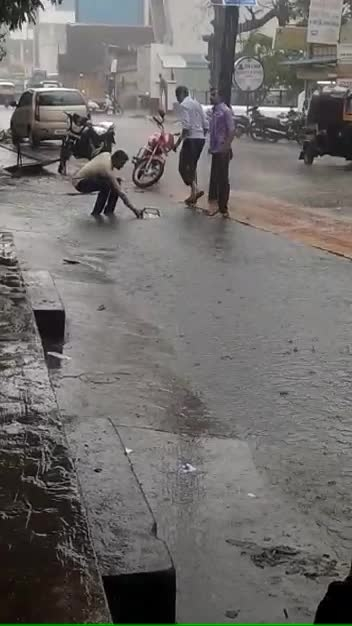 Pothole that swallowed a two wheeler in chembur today. What if humanbeing falls, alarming. Be careful.