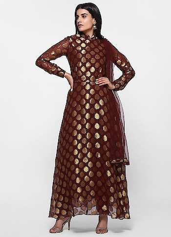 Diya Online - Glitzy Woven Flow Dress Set  Link - https://www.diyaonline.com/glitzy-woven-flow-dress-set-ls-4089.html  #winedress #diyaonline #roposo #roposodiaries #trendyoutfit #womenfashion