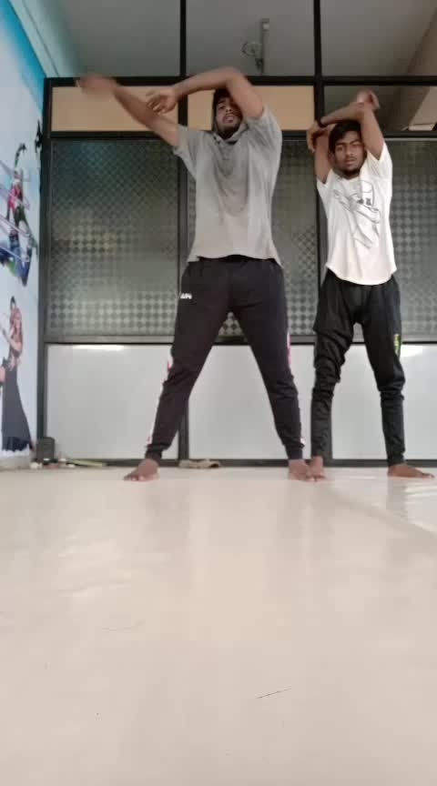 electro basic..... #tutorialvideo #roposo-dance #roposotutorials #formoreupdates #followmeformoreupdates #staytuned