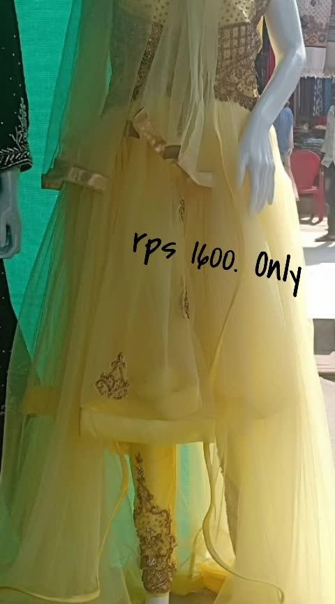 #wedding-dress  for sale on back seid long