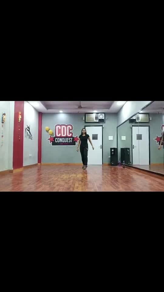 Dancer dance. #roposo #roposodance #dancer #dancerslifestyle #style #wacking #wackingdance