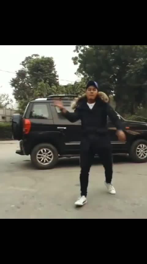 #featuredvideo #risingstar #bomb #krump #extra #roposo #delhi #dance