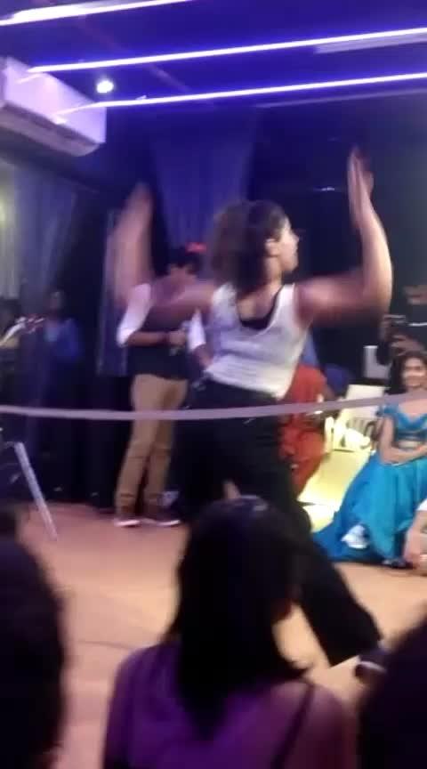 freak out!!  #roposostar #roposobeats #batte #dance #waacking #mumbaidiaries #funday