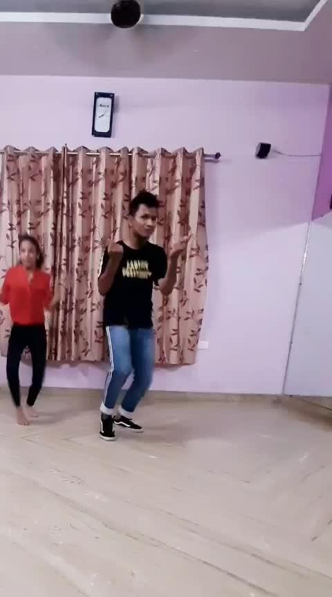 saara india astha gill #ropo-girl #danceing #dance4life #entertainment #risingstaronroposo #risingstar #trendingsong #roposo-fun #earn