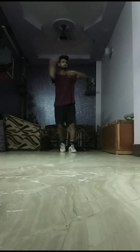 Chill Pill Dance 🕺  #dance #roposo #roposo-dance #roposo-rising-star-rapsong-roposo #risingstar #roposodaily #roposoday #indian