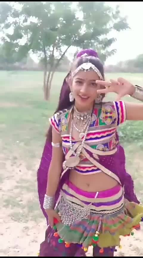 #roposo beutuful dancing girl #roposo-awesome#beuty