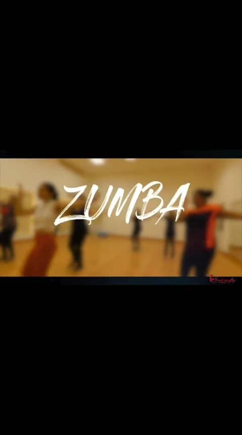 "ye dekha kya kisine #ropo-good #roposo #roposo-rising-star-rapsong-roposo #dance #zumba #fitness #fitnessmotivation #zumbafitness #dance #western #sexy-look#tiktok #girlonroposo #followback  #followme #followroposo #youtuber #trendingonroposo  Follow me on Instagram 😎  ""  zumbafitness.minakshi  "" 💕💕💕💕"