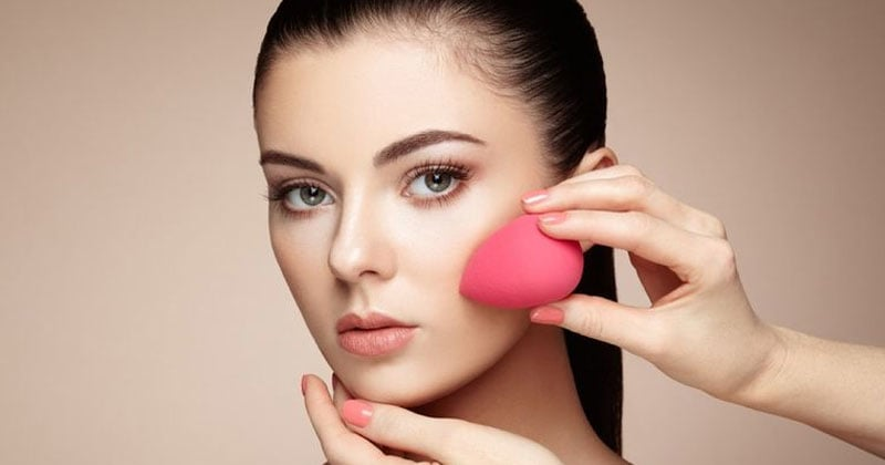 How To Use Beauty Blender: A Quick And Easy Guide To Beauty Blenders  Beauty blender is an accessory for the makeup experts to use it for the perfection. But now these days everyone like makeup and it becomes there necessity. Read more - https://rapidleaks.com/lifestyle/beauty/how-to-use-beauty-blender/ #ropo-good  #ropos #ropo #ropo-video #roposo #roposoness #roposoers #ropolife #ropolike #ropolive #roposi-love #ropolifestyle #lifestyle #lifestyleblog #lifestylepost