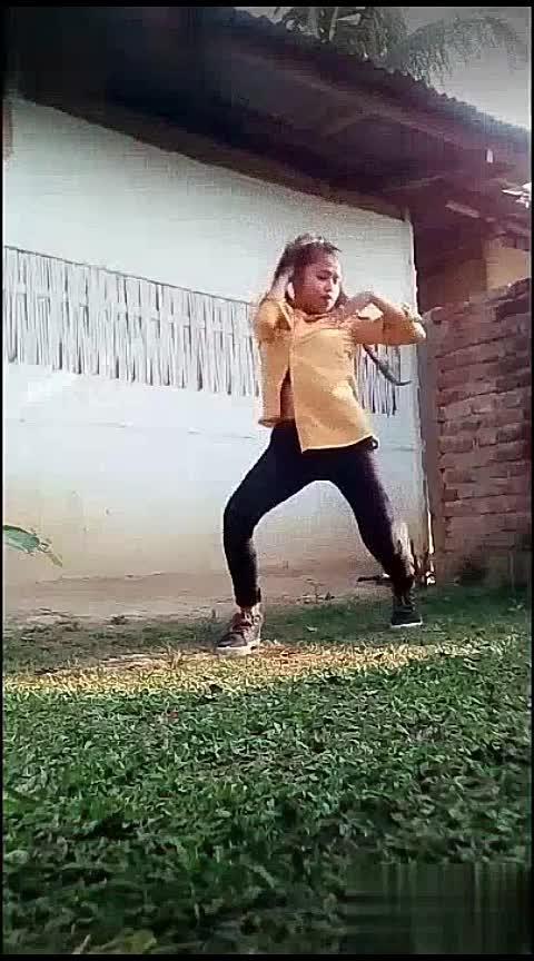 aisa koyi jadu dala re😍dance dance#aisahai #dance #roposodancer #roposodancing #staroftheweek #staroftheday #roposo #hiphopdance #sexydance #swag Roposo Roposo Roposo Tanisha Manisha Krishna