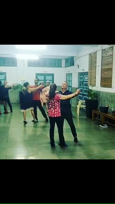 Time for some foxtrot... if you too want to be a part of this dance class.. then pls call 9819361074 for details... see you soon on the dance floor...   #dance #danceclasses #danceclass #danceclassesnearme #danceclassinmumbai #bandrawest #goregaoneast #learntodance #ballroomdance #latindancing #socialdancing #foxtrot #waltz #samba #jive #salsa #sandipsoparrkar #coupledance #partnerdance #closedance #dancer #ballroomdancer #dancelife #danceinstitute #roposodance #roposodancing