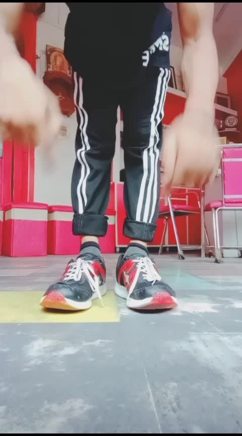 dance step #dance #dancelove #dance4life #dancestyle #step #new #dancestep #basics #oldschool #roposo #roposolove