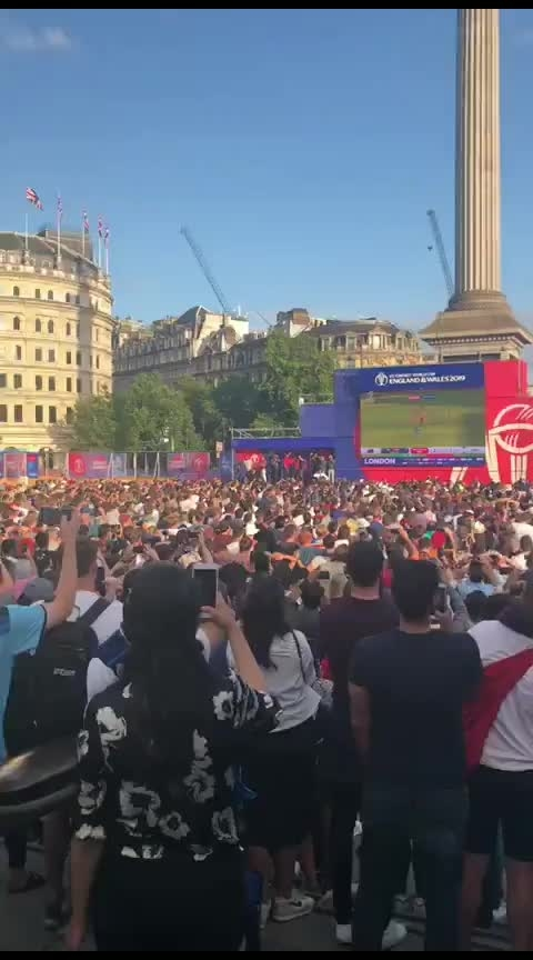 Watch how they celebrated the winning moment outside stadium... #cwc19 #cwc2019 #cwcfinal #cwcfinal #cricketlovers #cricketfans #engvsnz #roposo-sports #roposo-sport #crazy