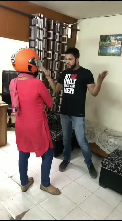Dhai kilo ka hath ka itna khauf ki helmet lagana pada 😂😂 #funny #comedy #roposostars