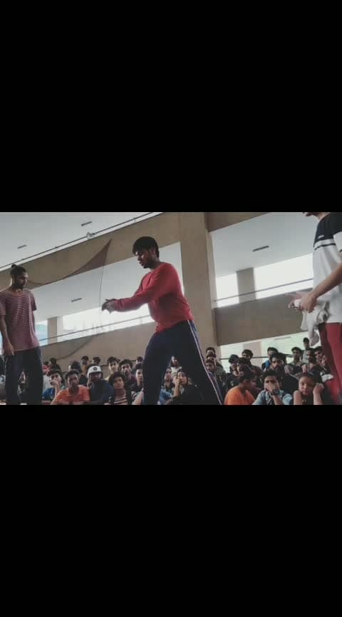 1 on 1 hip hop preselection round. #roposo-dance #dance #dancebattle #hiphop #freestyledance