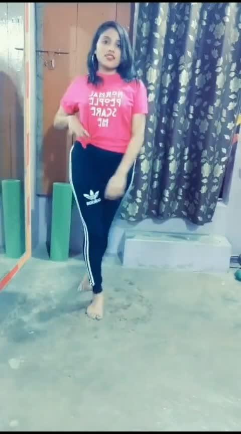 aate wqt tu scenery h jaate way nazara🥰 #soty2 #soty2song #jattludhiyaneda #dancelovers #roposoness #roposodance #srntr-dance #tigershroff