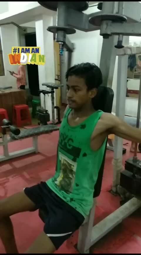 #gym #ongym #tranding #bollywoodking #hardworks