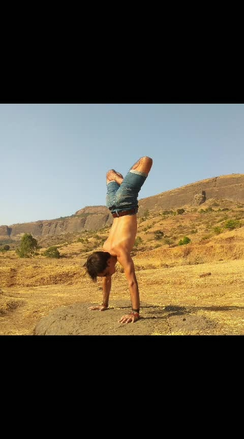 some awesome yoga pose by me #yoga #yogalove #fitness #fitnessmotivation #workout #healthy #life #ro-po-so #so-ro-po-so