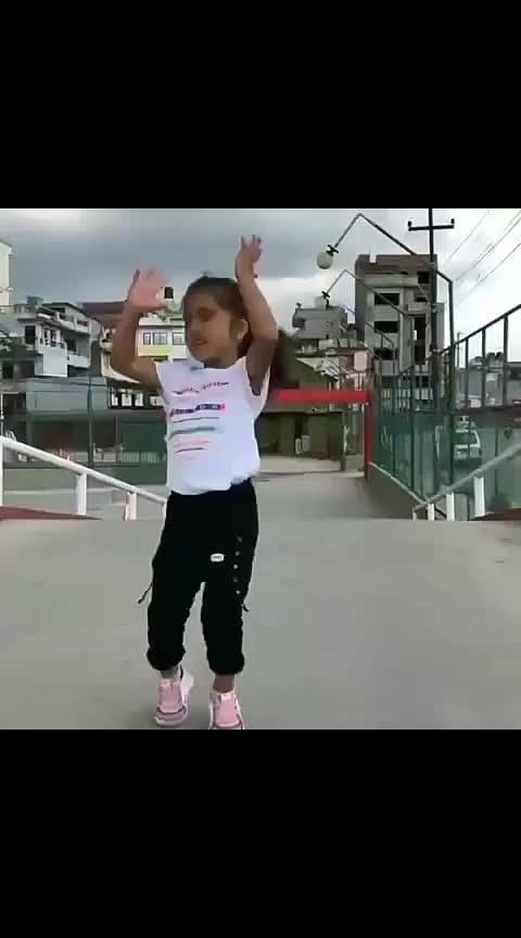 Little girl dance   #roposobeats #roposo-rising-star-roposo #roposolove #roposo-heart_cutlet #roposotvbythepeople #roposostarchannel #roposo-gabru