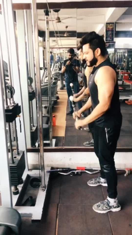 Zindagi bhi na jane kaise kaise imtehan leti hai 🤣😂 #filmistaan #roposostars #gym #funny #comedy @sushmita8371c15e