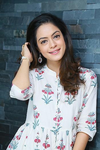 Anya Singh photos at Ninu Veedani Needanu Nene Interview https://southindianactress.in/telugu-actress/anya-singh-ninu-veedani-needanu-nene-interview/  #anyasingh #southindianactress #tollywood #tollywoodactress #indianactress #indiangirl #indian #floral
