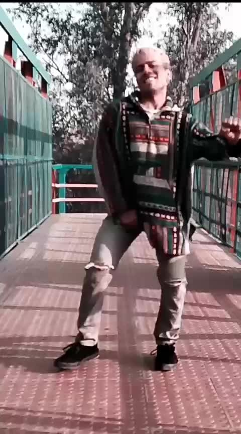 #tetema   Watch full video is on Instagram @guptanavneet32 #new #new-style #new-song #saree-in-new #dance #roposo-dance #dances #danceing #ropo-dance #rops-dance #best #best-qoutes #best-friends #dancingking #roposo #roposostar #afro #afrohair #afrodance #afrojack #african