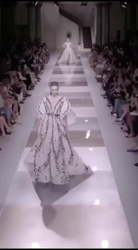 fashionloveeee👩❤️💋👩 #ropo-video #be-fashionable #modernwomen #dressing #westernwear