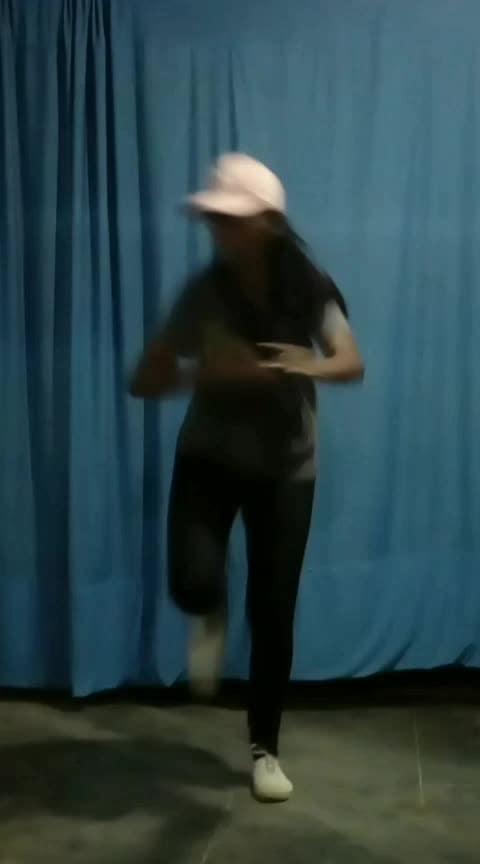 Veera paandi kotaiyilae❣️ #locking #roposo-dance #roposo-dancer #danceforlife #practice #roposotamil #coimbatore #roposostar