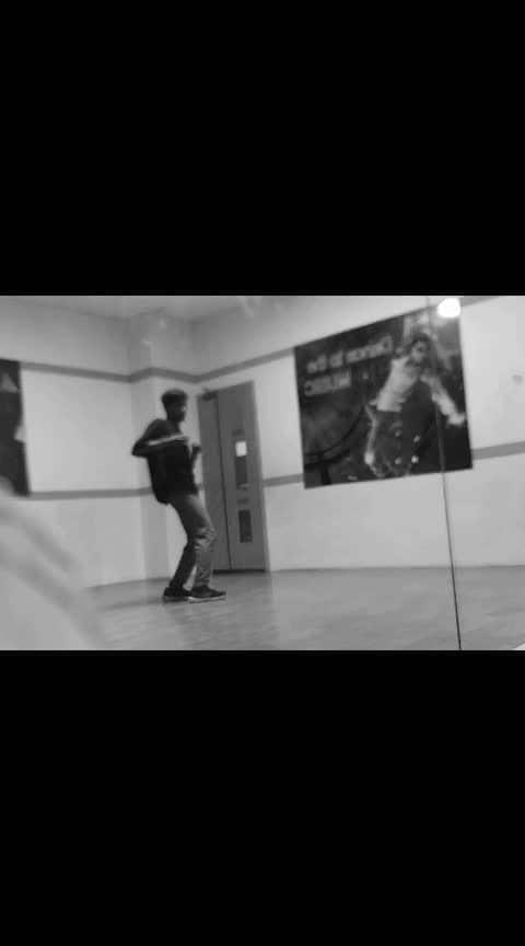 tinka tinka🎵 'Alisha Chinoy    #roposo  #roposodancer #roposodancing #dance #risingstar #risingstarschannel #roposo-talent #song #ropososoulful #roposoness #dance #roposo-dancers #freestyledance #freestyling #roposo-trending #trendeing #dancechallenge #indian