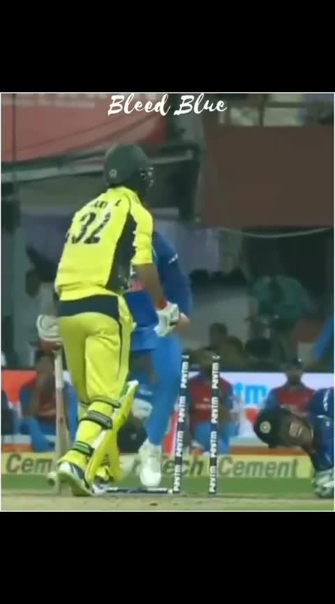 #bleedblue #kholi #msd #kohali #msdhoni #msdhonitheuntoldstory #msdian #rcb-kohli #wickets #thops #cricketlovers #cricket #cricketer #cricketers #rops-cricket #cricketlovers