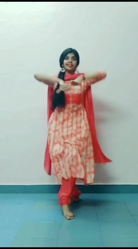 neela nilavil.. #dance #lyrical #roposo-dance #classicaldance #classicaldancer #athirasajeev #malayalam #roposo-malayalam #malayalamsongs #risingstar #risingstaronroposo #roposorisingstar