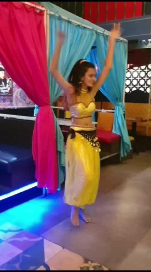 #osakisaki #followme on #instagram dhruvi.shah.dance  #norafatehi #nehakakkar #bellydance #bollywood #batlahouse #likesharecomment