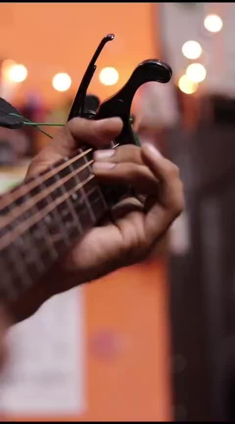 Jaan nisaar hai 💕  #jaannisaar #kedarnath #sushantsinghrajput #saraalikhan #bollywoodsongs #risingstars #music #singer #guitarist #guitarcovers #songs #roponess #roposers #roposing #rops-style #guitarists #musiciansofinstagram #ropo-love #guitarstrings