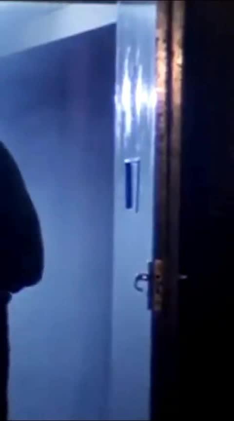 ना तलवार के धार से ना गोलियों की बौछार से बंदा डरता है तो....... #raj_kapoor #best_dailouge #mostbeautiful #raj_kapoor_propose #bollywood #filmysthan #new-whatsapp-status-video