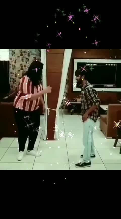 dance with Dekh lo #roposo-beats #roposo-wow #haha-tv #roposo-haha #govindadance #fannyvideos #celebrityfashion #celebritystyle #roposo-foryou
