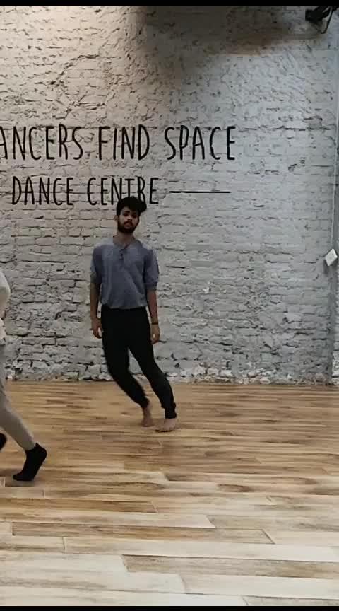 #roposodance #dance #roposostars #artist #roposo-dancer #contemporarydance