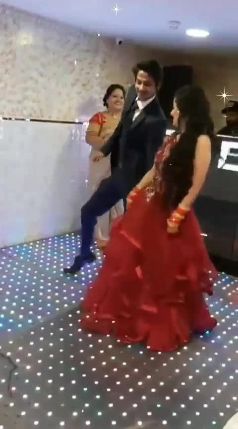 #wedding-bride dance#wedding-outfits #suit #bridesmaids #dancer#bridesofindia #roposo-dancer #tumerahero #govinda #song #shaadi #couplegoals #coupledance #roposo-beats #beats